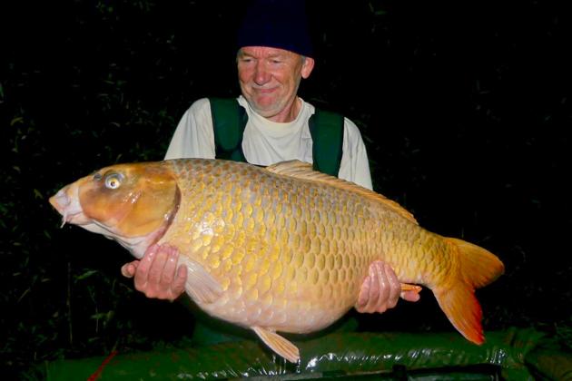 Hans Leerdam manages to catch them at Le Grand Etang! | The Carp ...