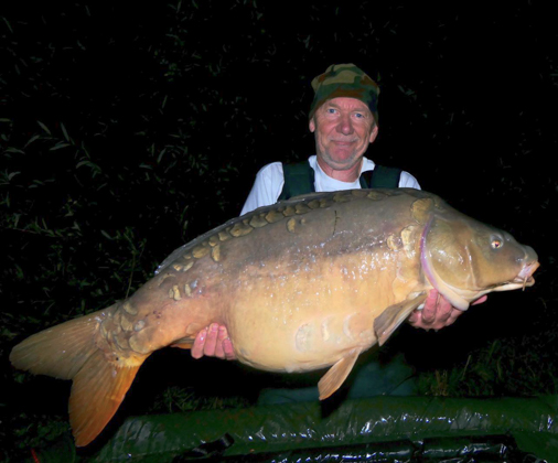 Hans Leerdam manages to <b>Catch</b> them at Le Grand Etang! | The Carp ...