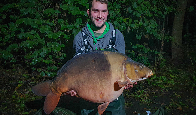 Carp Photos   Carp France at Old Oaks with Angling Lines
