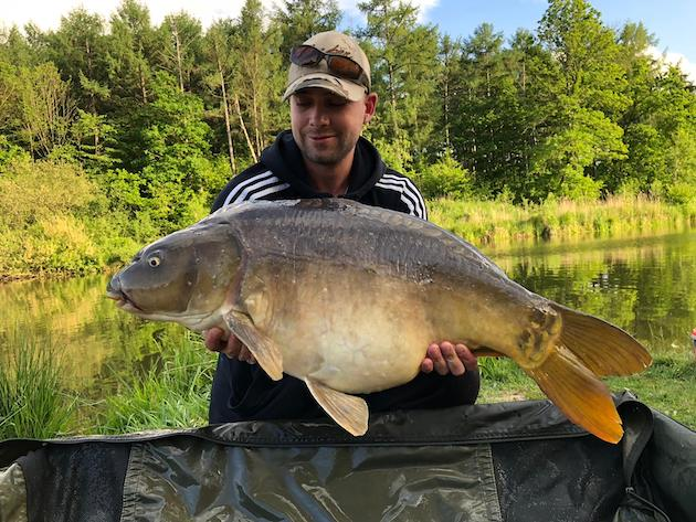 3 friend and 88 carp in one week at Bel Eaux - Belvare! | The Carp ...